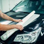 Jak poprawnie okleić samochód folią